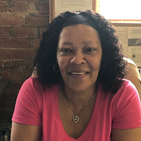 Sherran Harris : buddy's place & Nannie Hinkston House Program Coordinator